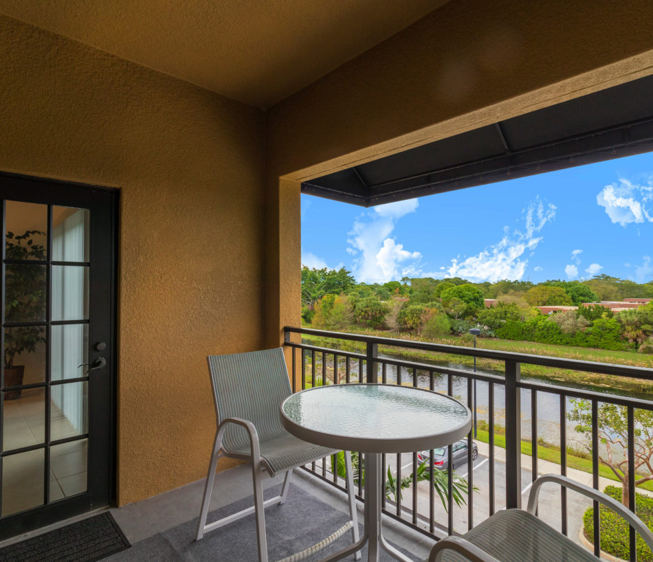 New Listing | 4903 Midtown Lane 3413 | Pretty Penthouse in Mighty Midtown