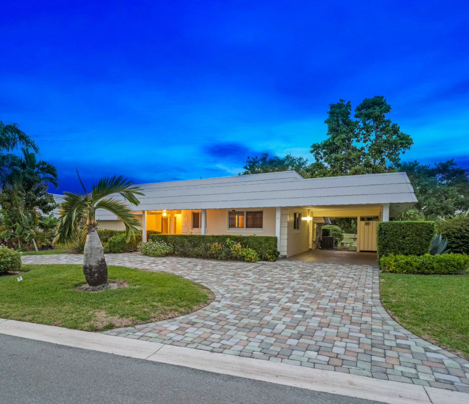 Just Listed | 383 Villa Drive S | Absolute Beauty in Atlantis