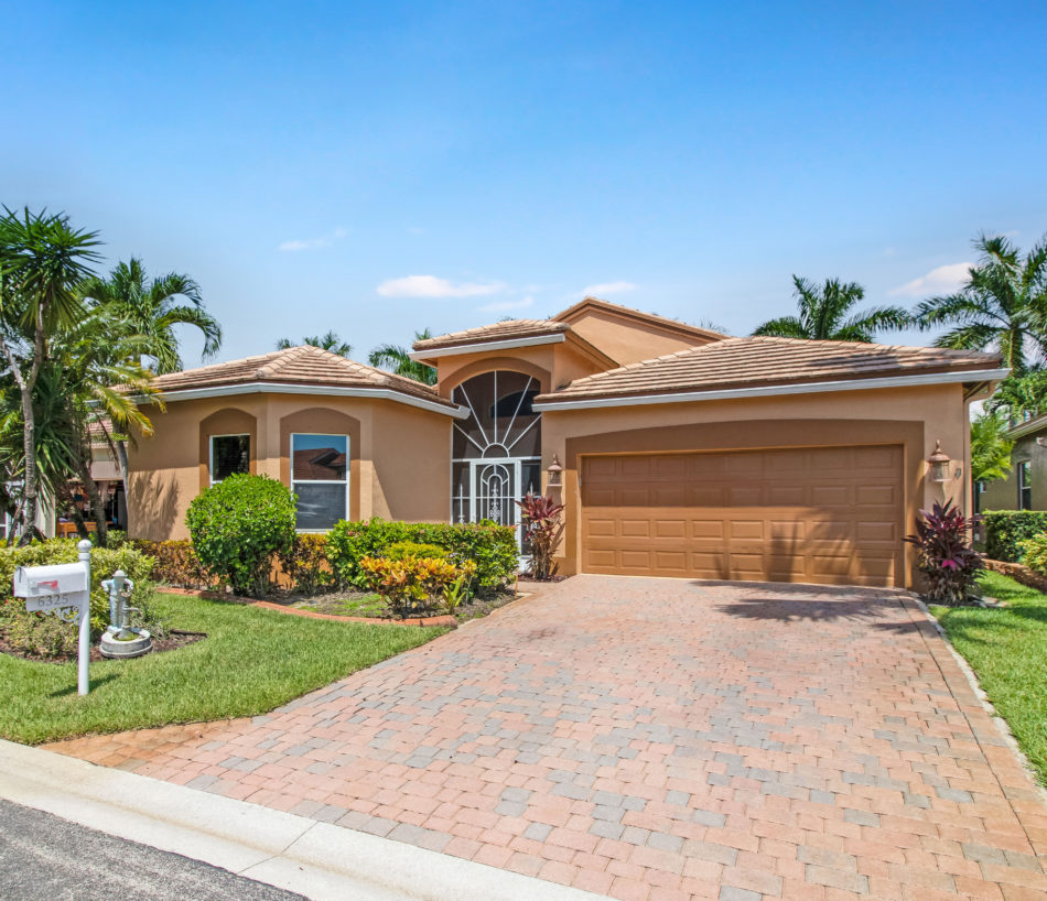 Just Listed | Luscious in Lake Worth | 6325 Harbour Oak Drive