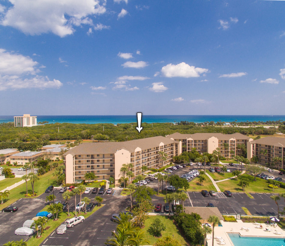 Just Listed | Beautiful in Jupiter Bay | 275 Palm Avenue #C-105