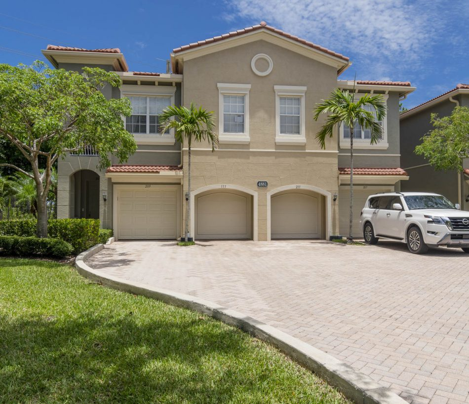 Just Listed | Lovely in Legends at The Gardens | 4881 Bonsai Circle 111