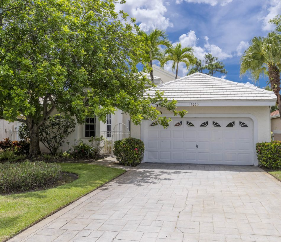 Just Listed   Exciting in Eastpointe   13853 Palm Grove Place